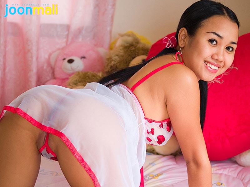 Hot girl in pink bra